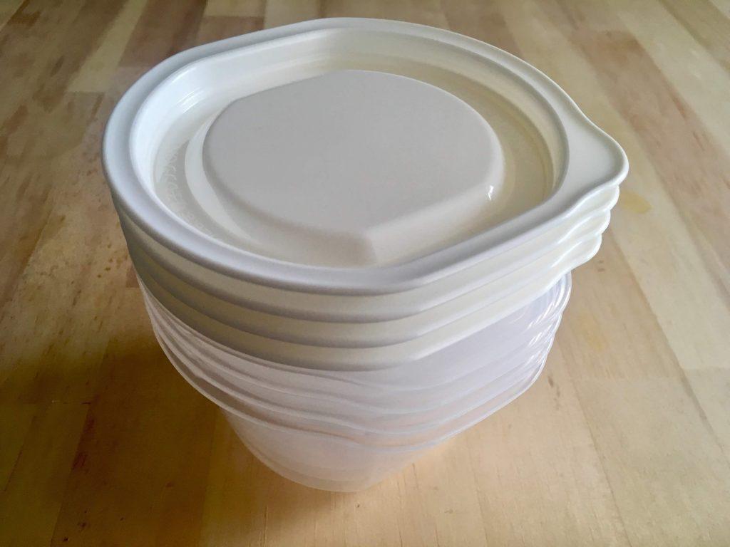 イオンの冷凍ご飯タッパーHOME COORDY そのままレンジ保存容器ご飯一膳用4個入を重ねた画像